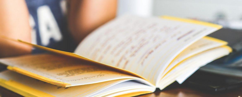 Dlaczego księgarnie internetowe są świetnym rozwiązaniem dla miłośników książek?